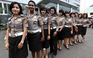 polisi wanita tinggi badan minimal